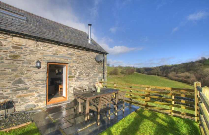 2 bedroomed holiday cottage Snowdonia - garden