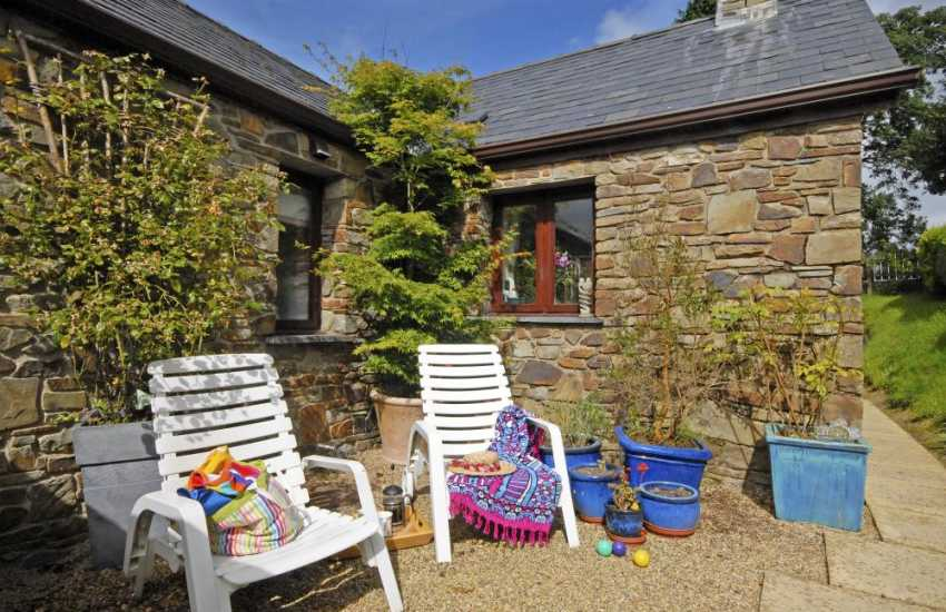Quaint holiday cottage near Llangrannog - sheltered patio with hot tub and chiminea