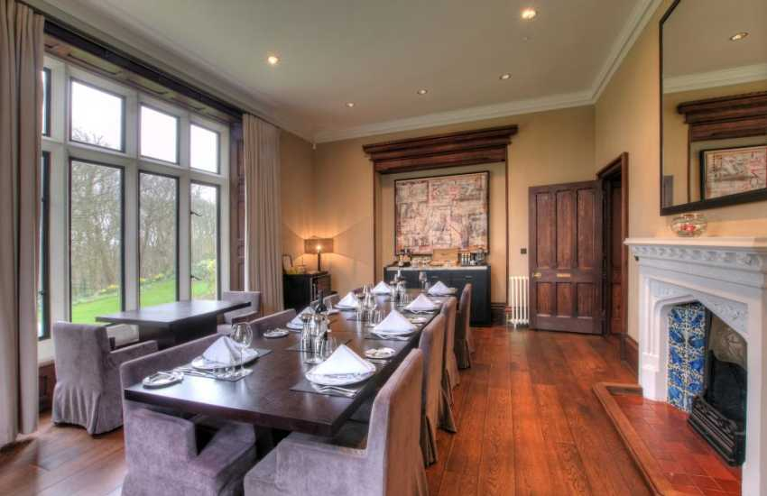 Holiday home St Davids - dining room