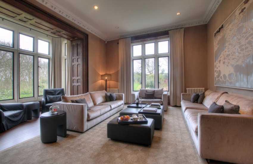 Luxury holiday accommodation - lounge