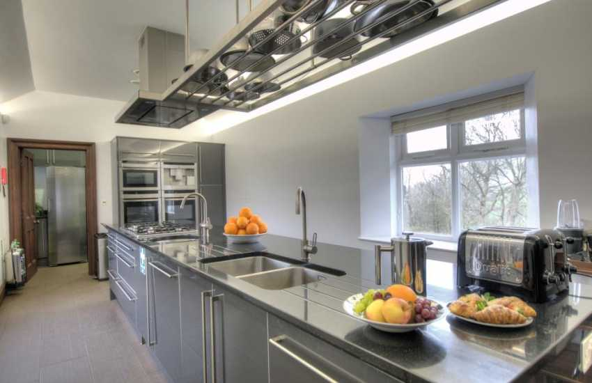 Luxury Pembrokeshire holiday home - kitchen