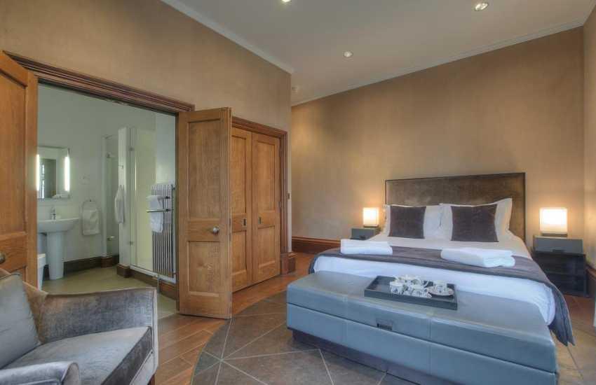Valley double bedroom