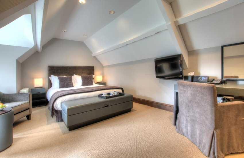 Court double bedroom
