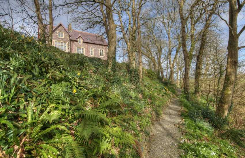 Pembrokeshire holiday home gardens