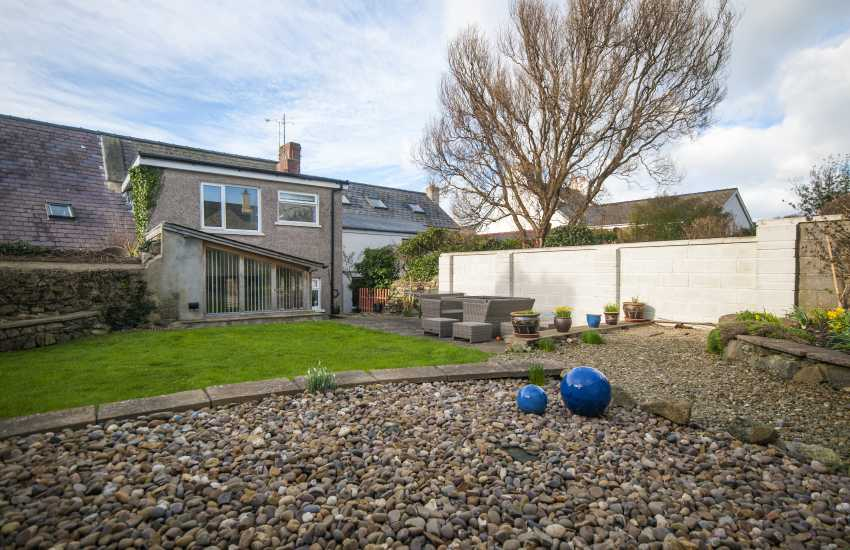 Holiday cottage St Davids town centre - garden