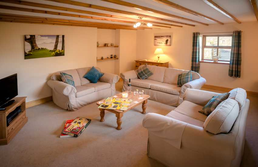 Gower holiday near Three Cliffs Bay - lounge