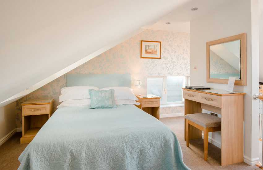 Holiday Wales on the Gower - double bedroom