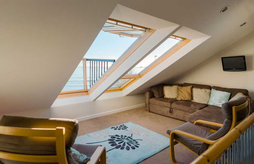 Oystermouth holiday home on the Gower - bedroom