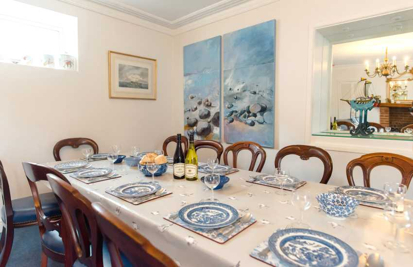Three Cliffs bay nearby holiday home - dining room