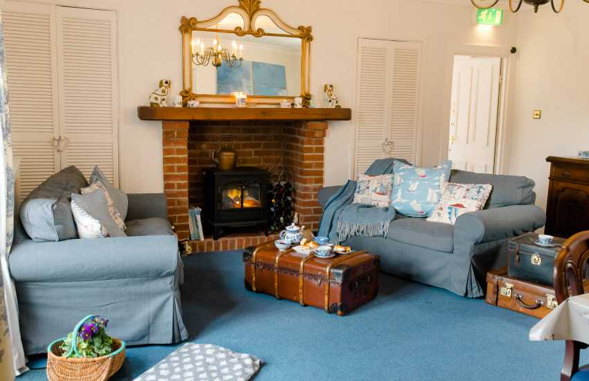 Dogs welcome Mumbles holiday home - lounge