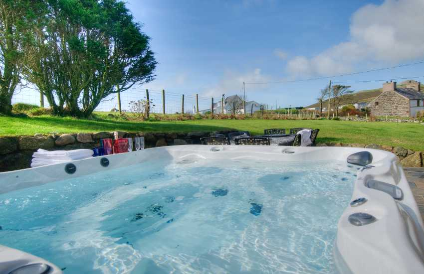 Luxury Lleyn holiday cottage - hot-tub