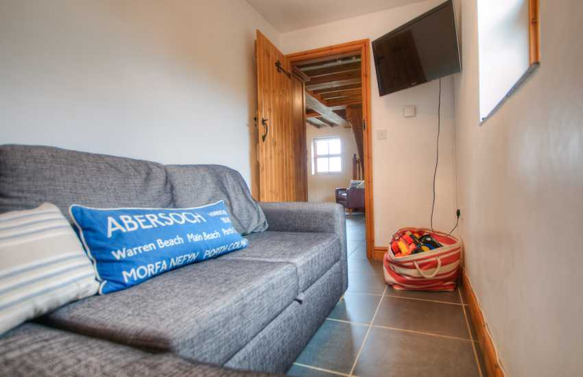 Llyn Peninsula holiday cottage - sitting room
