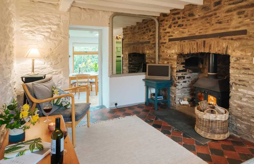 Llangadog cottage holiday - lounge