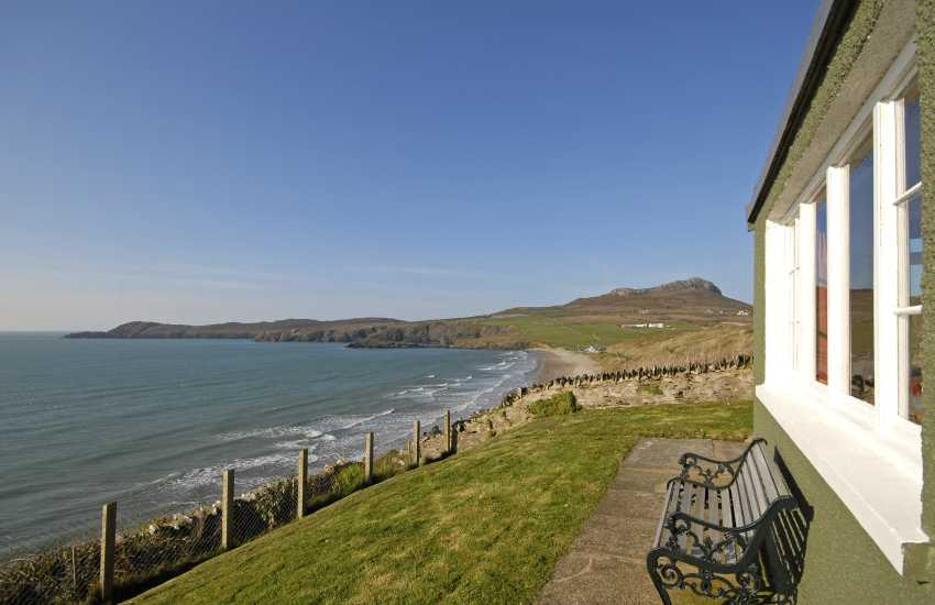 Whitesands holiday home gardens