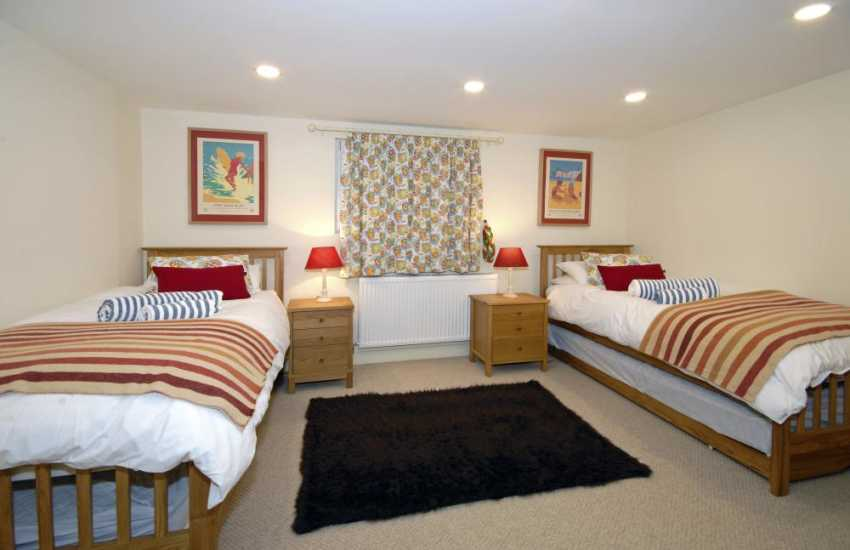 Broad Haven holiday home for 10 guests - ground floor twin with private sitting room