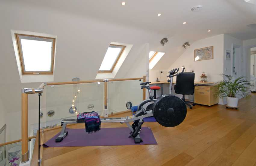 Craig Sillian, Cardigan Bay - gallery with gymn kit and office area
