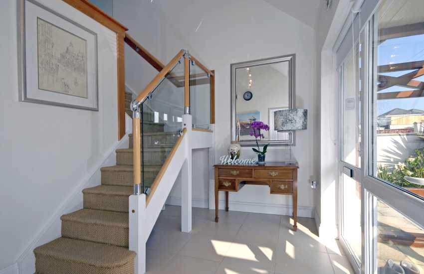 Cardigan Bay modern holiday home - entrance hall