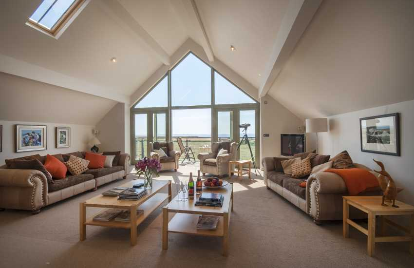 Solva holiday house with sea views - spacious 1st floor sitting room  with 42