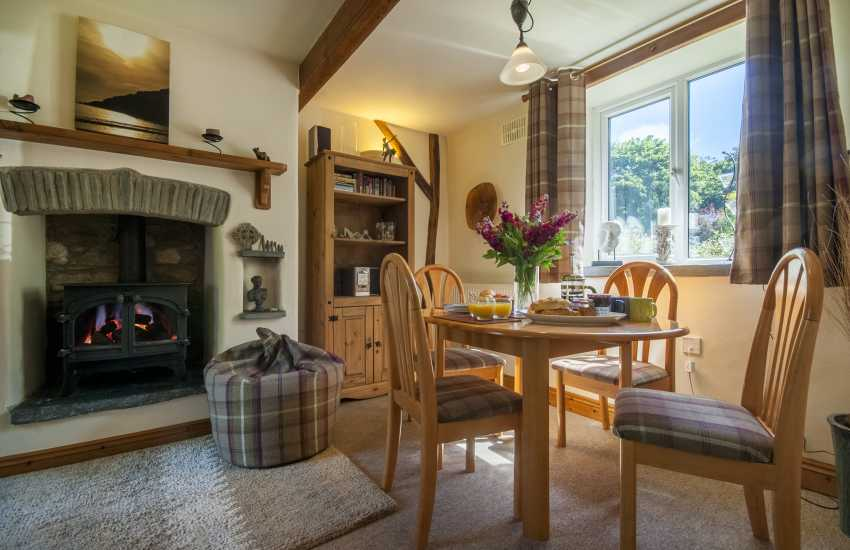 St Davids holiday cottage - with wi-fi and open plan sitting/dining room