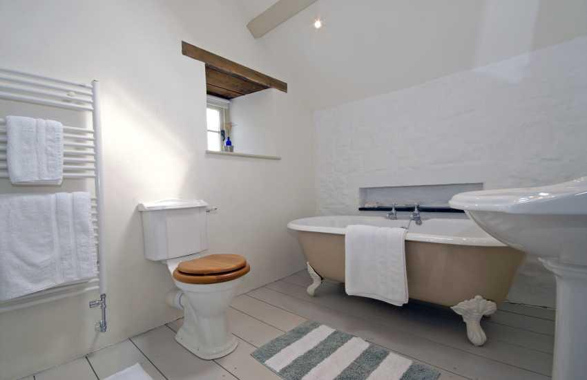 Master en suite bathroom with separate walk in shower