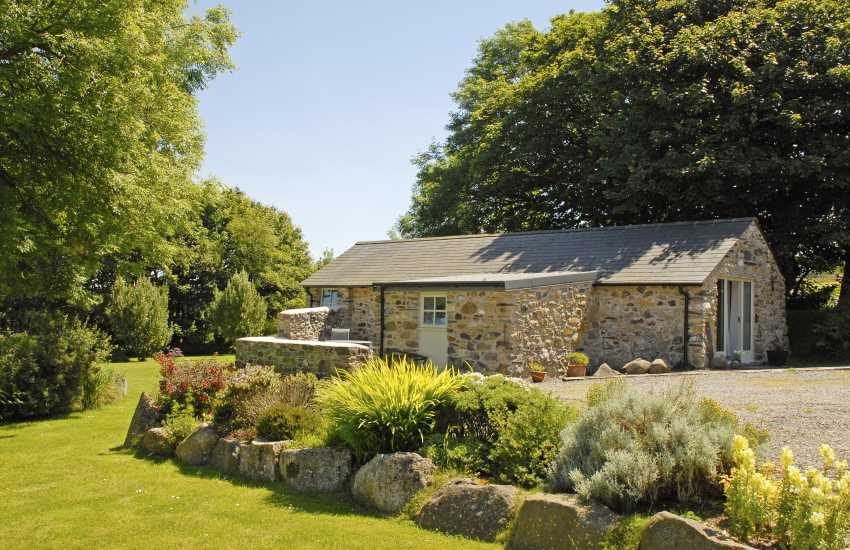 Pembrokeshire stone barn conversion just for two - pet welcome