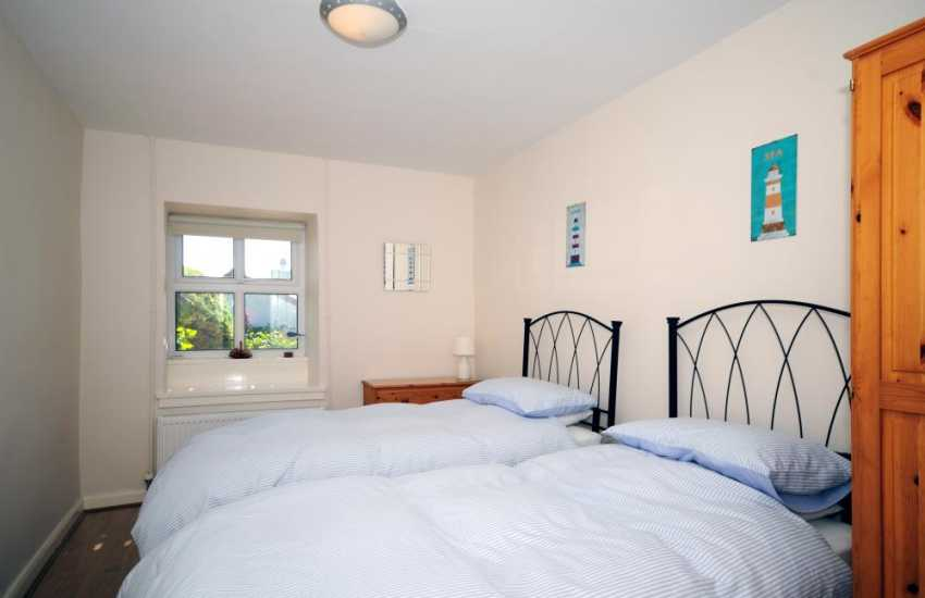 Holiday cottage on Anglesey - Twin Bedroom