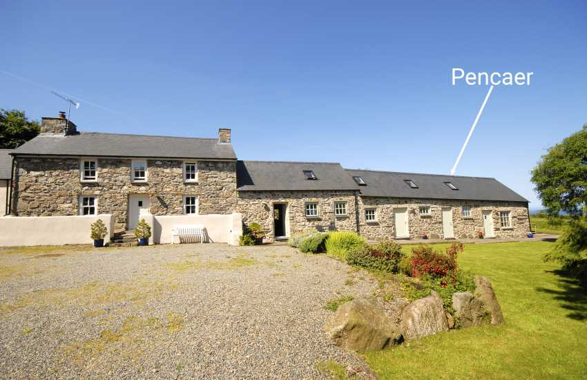 Pembrokeshire holiday cottage for two - dogs welcome
