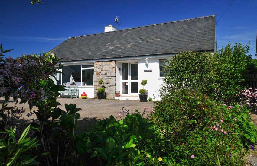 Pet friendly coastal cottage Wales - ext