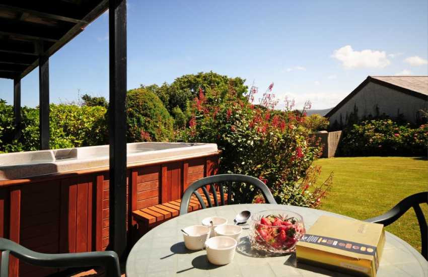 Holiday cottage Anglesey with sea views