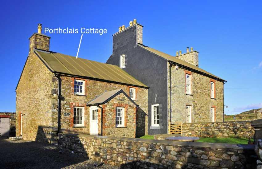 Restored Welsh farmhouse near St Davids and Whitesands Bay