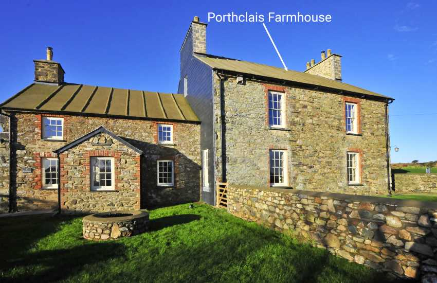 Whitesands Beach Grade II Listed Welsh farmhouse for holidays on the coast - dogs welcome