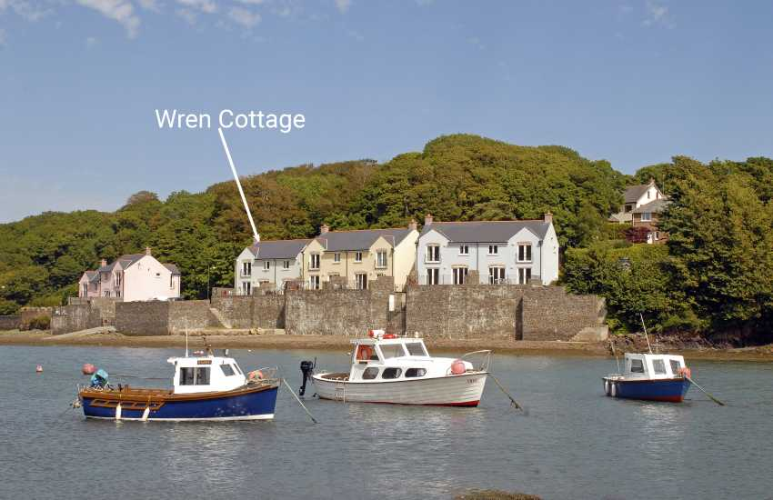 Haven Waterway Pembrokeshire luxury holiday home on the river - pets welcome
