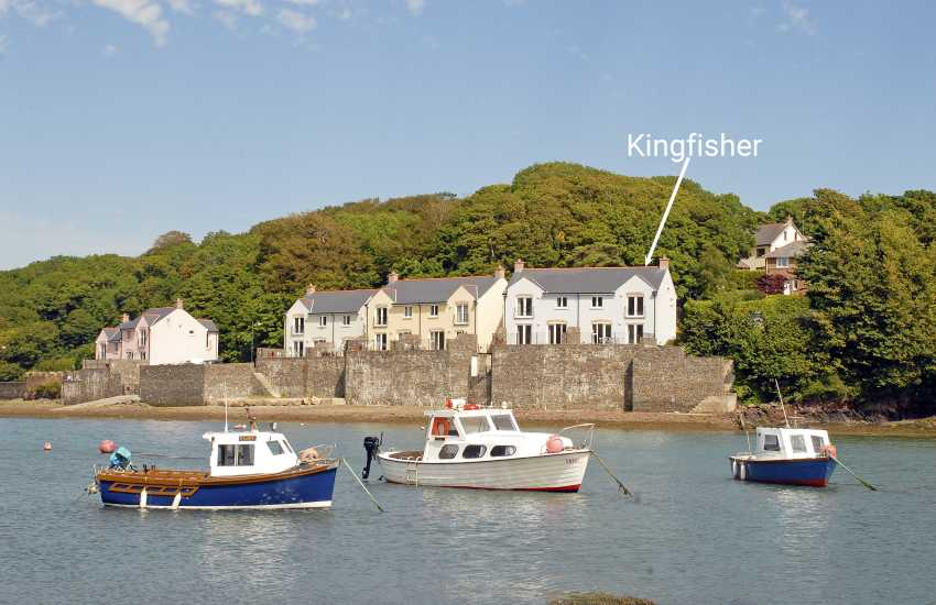 Riverside holiday home on the Milford Haven Waterway - pets welcome