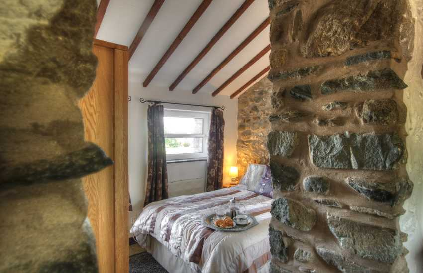 Barmouth holiday cottage - bedroom