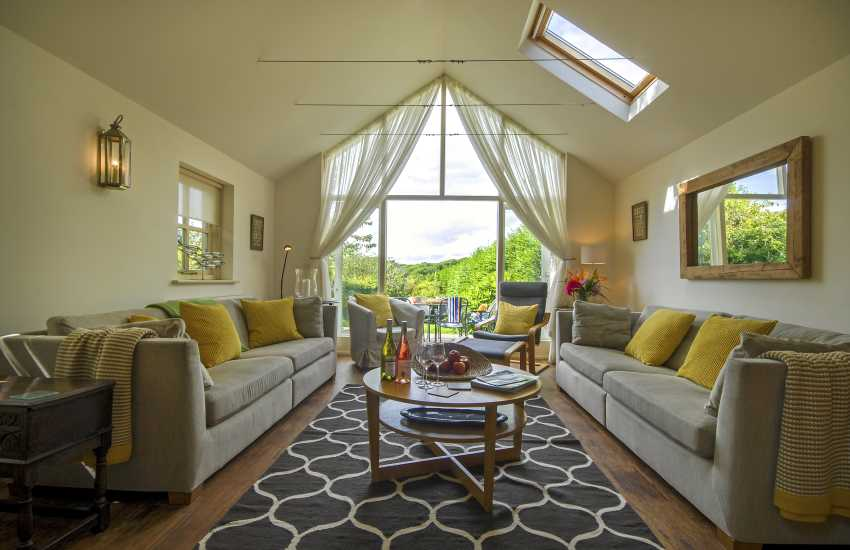 Manorbier family holiday home-lounge