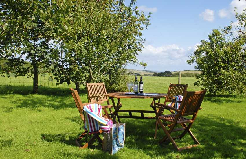 Stackpole holiday cottage gardens with sea views