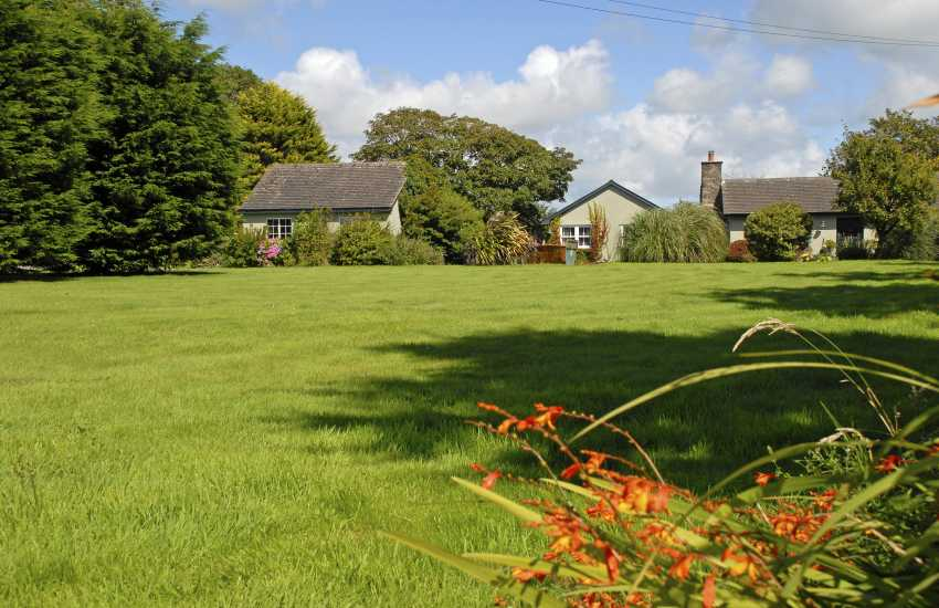 outh Pembrokeshire holiday cottage with large gardens