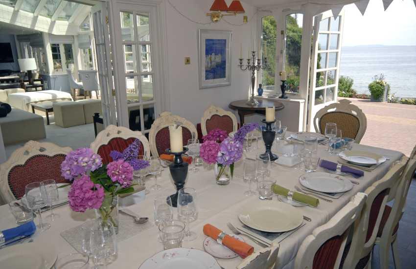 Dining room overlooking Waterwynch Beach