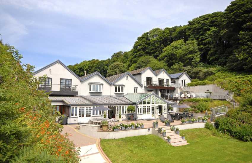 Tenby 19th century luxury holiday house on Waterwynch Beach