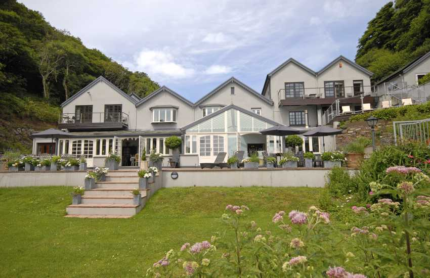 Pet friendly large 19th century  holiday house near Tenby