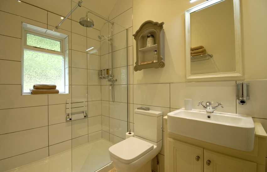Efnys en suite shower