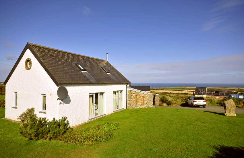Luxury North Pembrokeshire barn conversion near Abereiddy - pet friendly