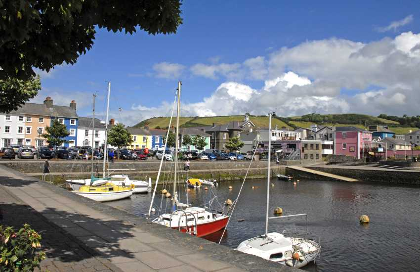 Aberaeron is a lovely Georgian harbour town with boutiques, cafes, bars, restaurants and a great fish and chip shop