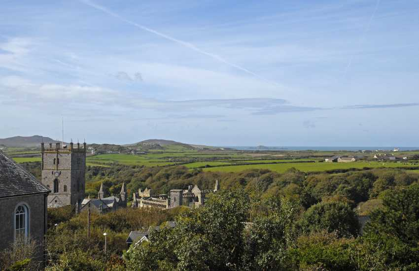 St Davids townhouse with sea views