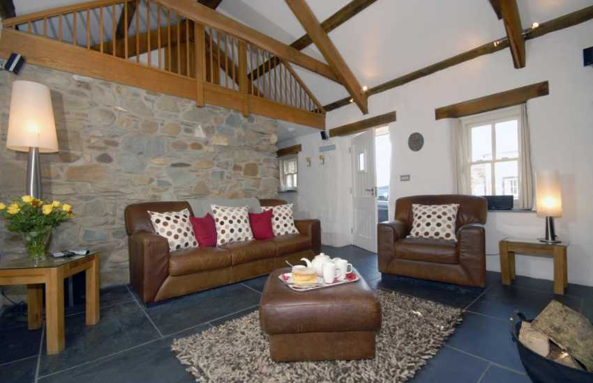 North Pembrokeshire stone holiday cottage - sitting room with sky tv