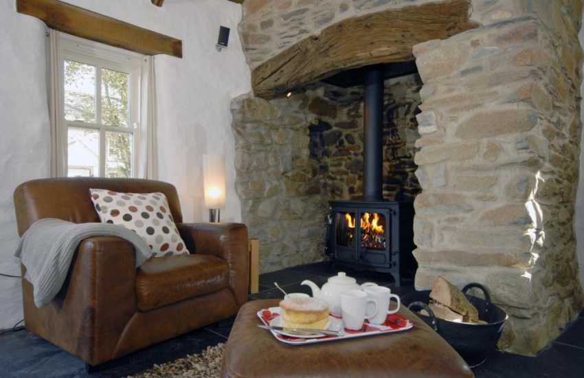 St Davids Pembrokeshire - cosy Cottage with wood burning stove