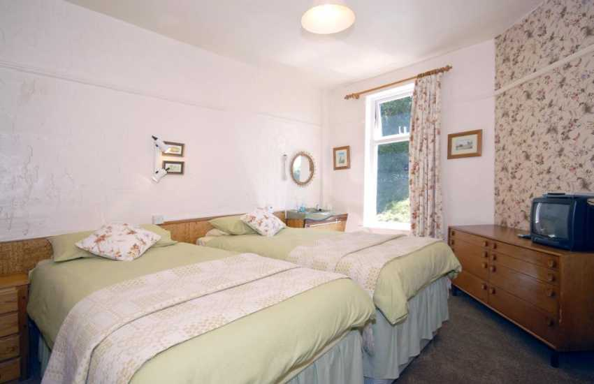 St Davids coastal cottage sleeping 10 - ground floor twin