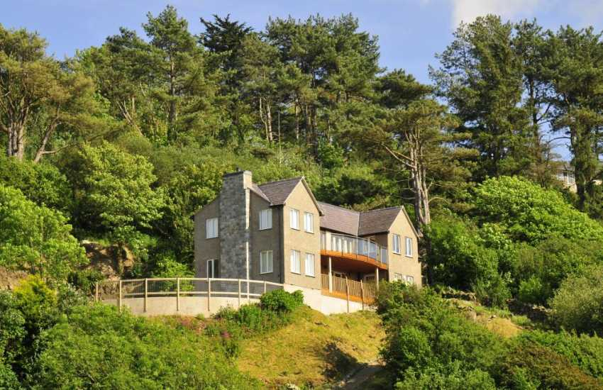 Substantial holiday house with fabulous views over the beach to Lleyn Peninsula