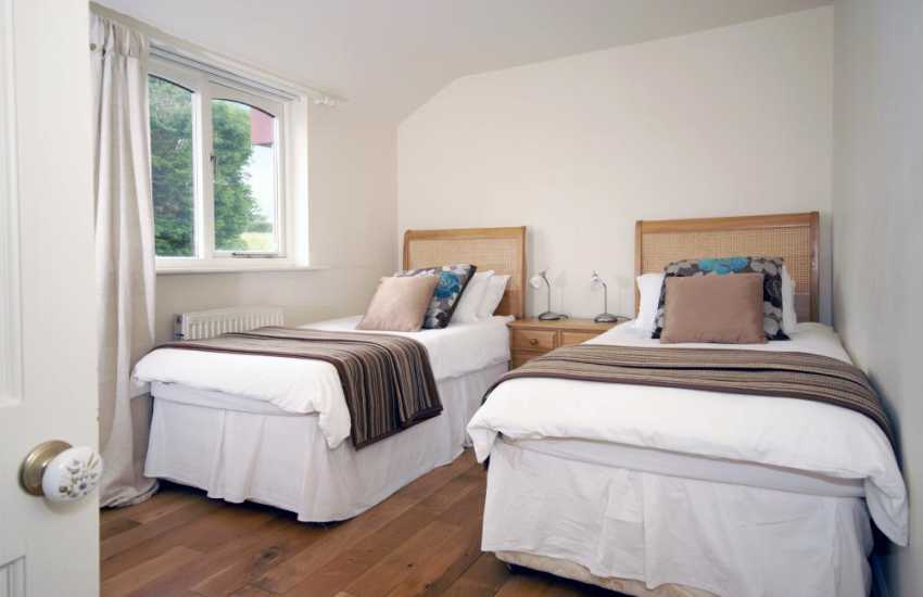 Amroth holiday cottage sleeps 4 - twin