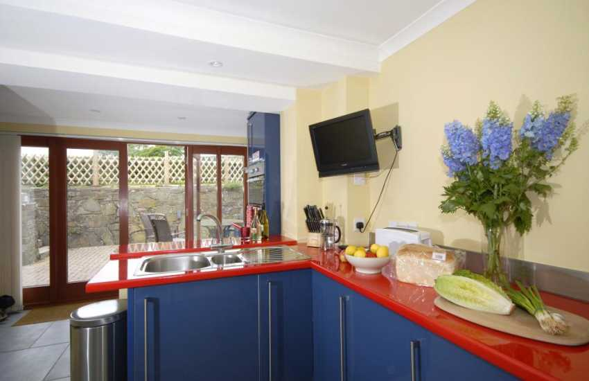 Holiday cottage near Saundersfoot with modern, luxury kitchen